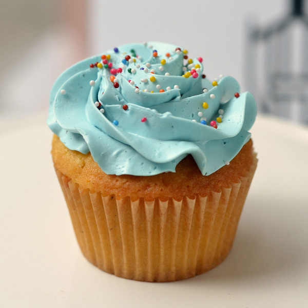 Huascar & Co Bakeshop V2 Cupcake with Blue Frosting