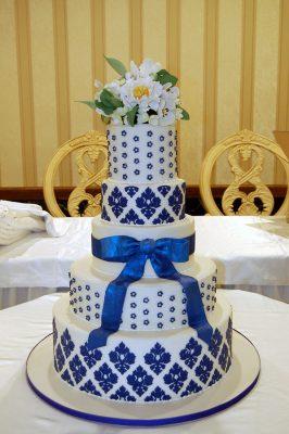 Huascar and Company Bake Shop White and Blue Damask Wedding Cake