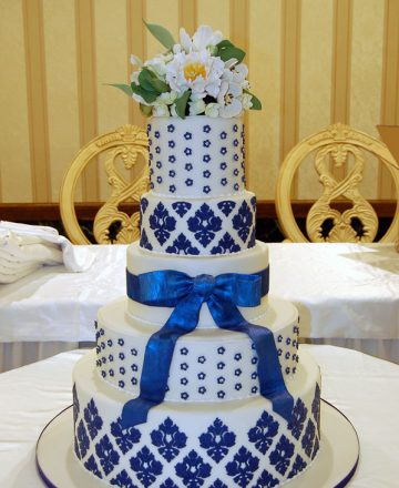 Huascar and Company Bake Shop White and Blue Damask Wedding Cake